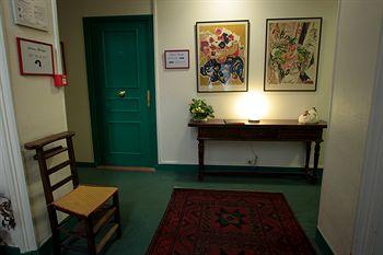 rechercher un h tel pas cher lyon. Black Bedroom Furniture Sets. Home Design Ideas